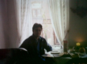 Del 2004. En el depa de mi mamá. Afuera, la cuna.