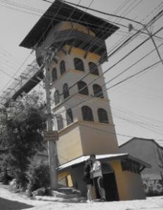 La torre amarilla.